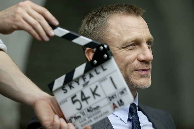 Daniel Craig James Bond Skyfall set