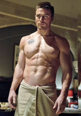Stephen Amell talks Oliver Queen, the anti-hero and ...
