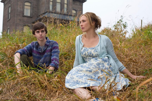 Freddie Highmore Norman Bates Vera Farmiga photo