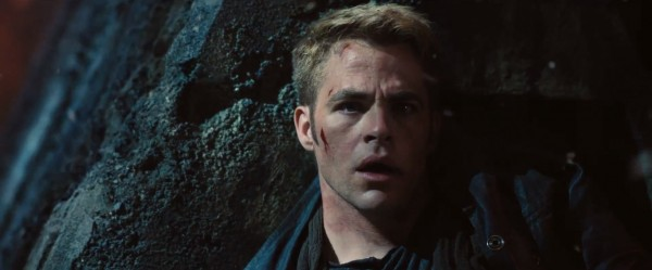 star-trek-into-darkness Chris Pine battered