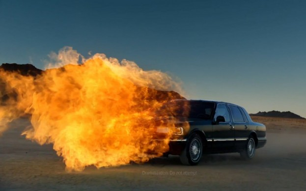 Lincoln-Town-Car-SB47-flamethrower