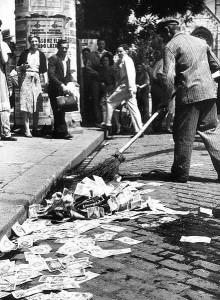 Sweeping the pengő inflation banknotes after the introduction of the forint in August 1946 photo Mizerák István