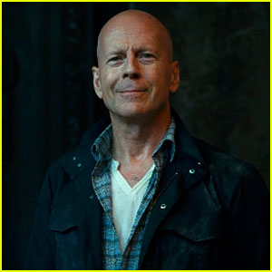 bruce-willis-good-day-to-die-hard smiling