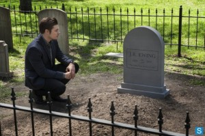 John Ross visits JR Ewing grave tombstone Dallas finale