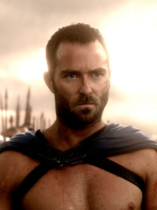 Sullivan Stapleton 300 Rise Empire photo