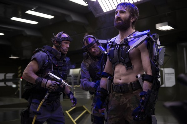 elysium-sharlto-copley and soldiers photo