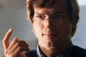 Ashton-Kutcher as Steve-Jobs