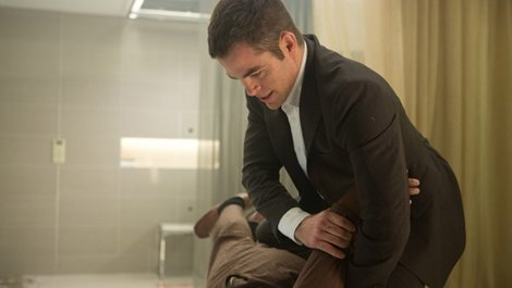 Chris Pine Jack Ryan Shadow Recruit fighting