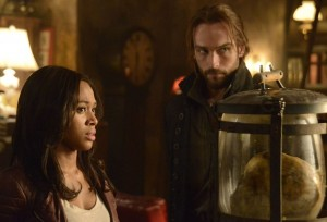 sleepy-hollow-nicole-beharie-tom-mison-photo
