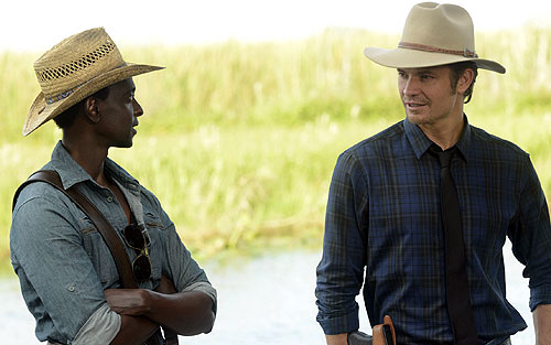 justified-501-edi-gathegi-timothy-olyphant