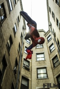 the-amazing-spider-man-2-andrew-garfield hanging on web