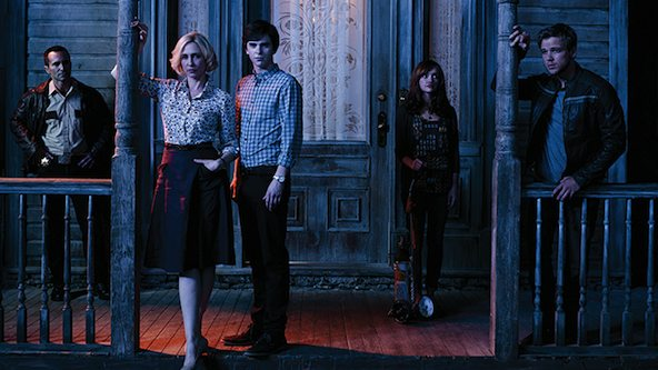 bates-motel-season-2-promo cast photo