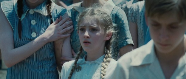 willow-shields-as-primrose-everdeen-in-the hunger games