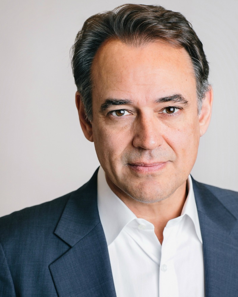 39 general hospital 39 star jon lindstrom discusses his new for Lindstrom