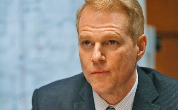 Noah-Emmerich as Stan The Americans season 2 photo