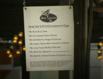 Bar Louie's dress code sign  photo/screenshot of video coverage