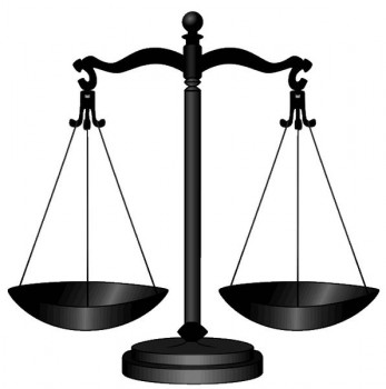 Scale of Justice photo/DTR via wikimedia commons