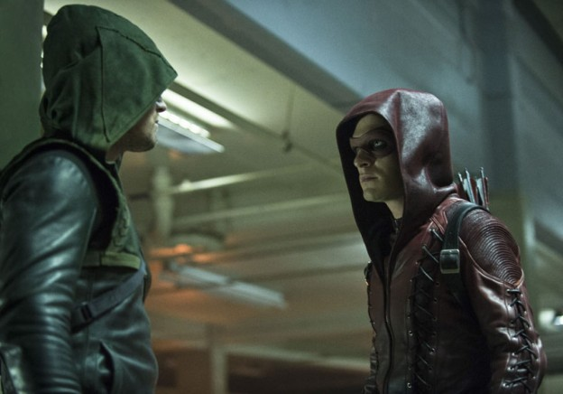 Arrow-and-Arsenal-in-Season-3-Premiere