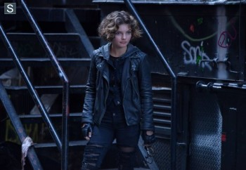 Camren Bicondova as Selena Kyle Gotham photo ep 3