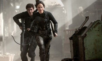 the-hunger-games-mockingjay-part-1-jennifer-lawrence-liam-hemsworth-under attack