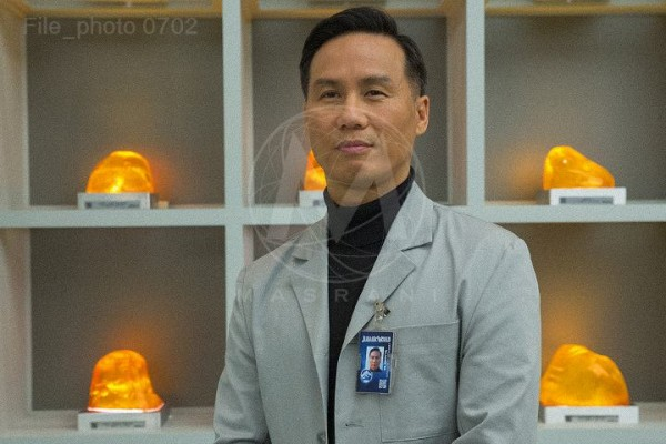 jurassic-world-bd-wong-photo