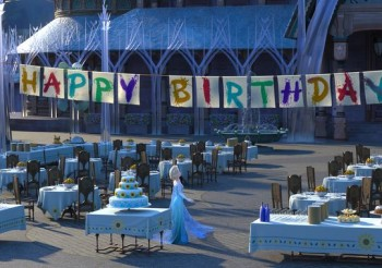 Princess Elsa happy birthday party pic in Frozen Fever