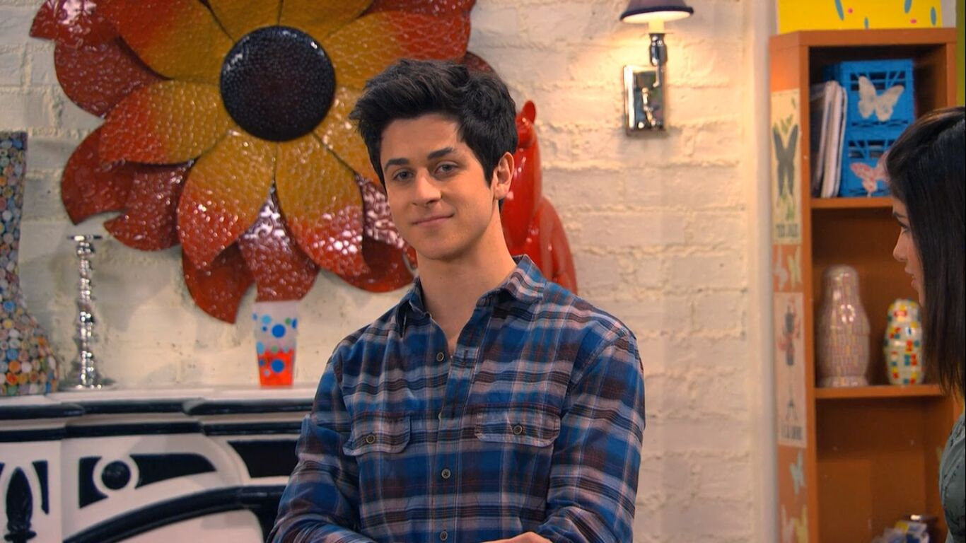 39 wizards of waverly place 39 star david henrie credits role for The waverly