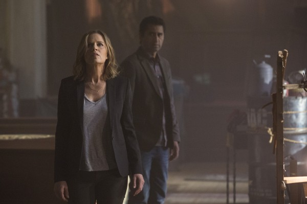 Kim Dickens and Cliff Curtis in 'Fear the Walking Dead'