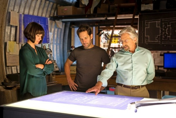 ant-man-paul-rudd-evangeline-lilly-michael-douglas-600x401