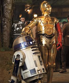R2D2 and C3PO in Star Wars the Force Awakens