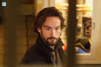 Tom Mison as Ichabod Crane Sleepy Hollow season 3 photo