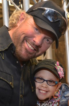 toby keith foundation photo with-payton-2014