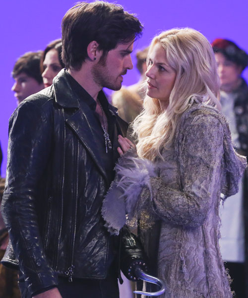 Once_Upon_a_Time_Captain_Hook Emma Swan season 5