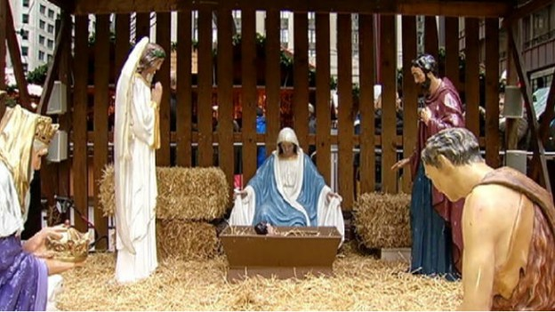 Nativity scene in Daley Plaza, Chicago Ill. photo screenshot of news coverage