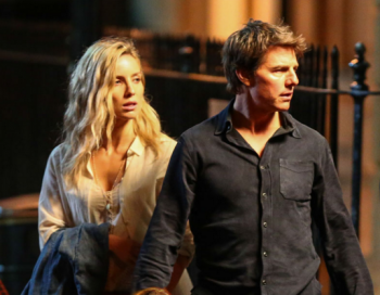 "Tom Cruise and AnnaBelle Wallis on set of ""The Mummy"" photo published by Coming Soon"