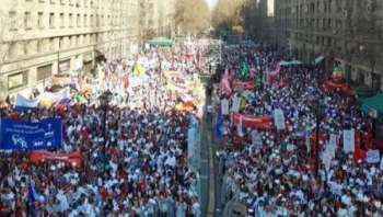 Thousands march for life in Chile