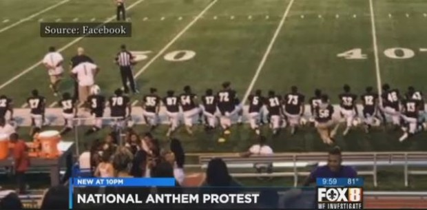 national-anthem-boycott-kneeling-during-star-spangled-banner-louisiana-football-players