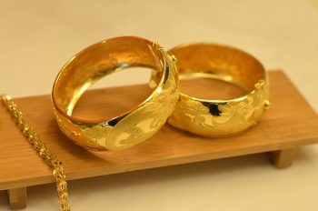 wedding rings gold