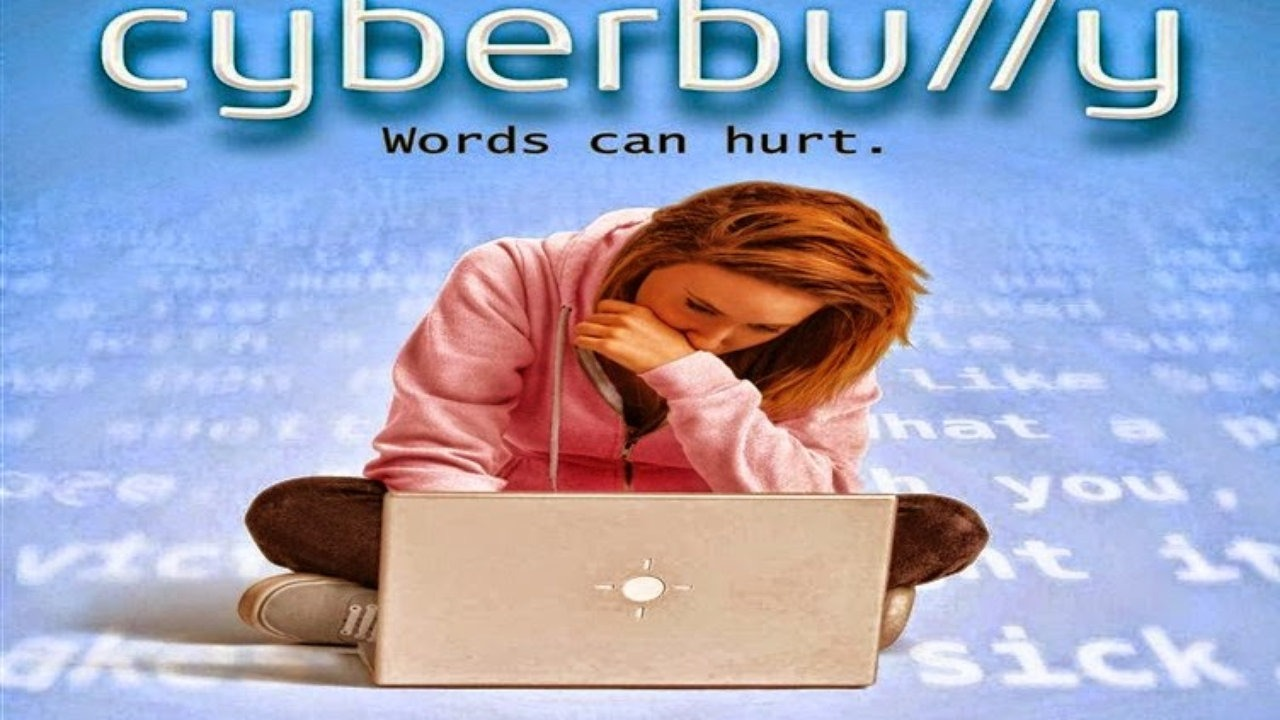 10 Early Warning Signs Of Cyberbullying Every Parent Should Know