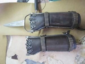 Mad Max Fury Road knife blade glove