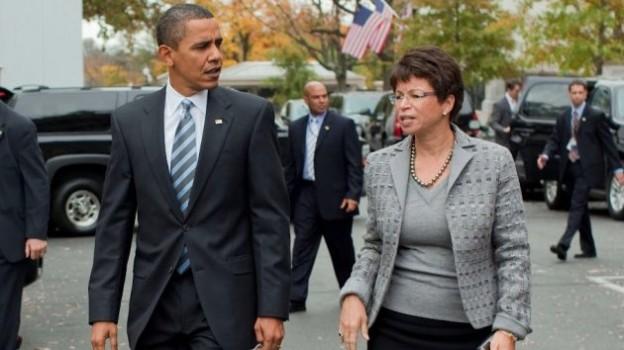 President Barack Obama walks with Senior Advisor Valerie Jarrett   Official White House Photo by Pete Souza