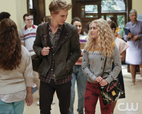 The Carrie Diaries - Austin Butler as Sebastian and AnnaSophia Robb as Carrie