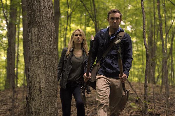 "Kristen Hager as Nora Sergeant, Sam Huntington as Josh Levison in ""Being Human"" season 3 photo"