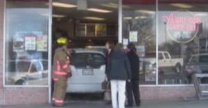 man crashed pizza place Nebraska photo