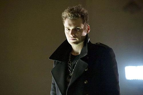 Seth-Gabel-in-Arrow-as-Count-Vertigo