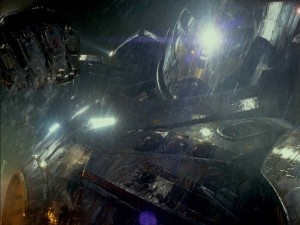 pacific-rim-jaeger battle robot photo