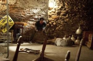 the-walking-dead-season-3-yeun as Glenn trying to escape