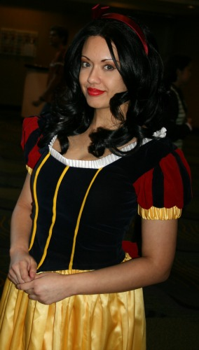 Snow White Cosplay  MegaCon 2013