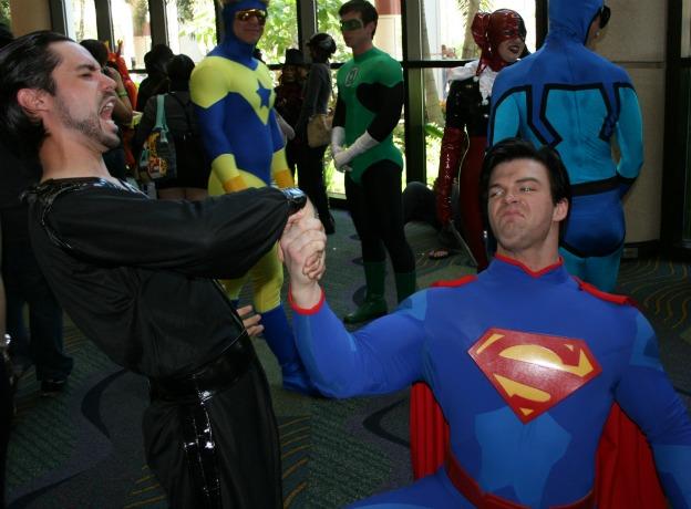 Superman crushing Zod hand Cosplay MegaCon 2013