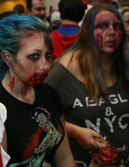 Women zombie Cosplay MegaCon 2013